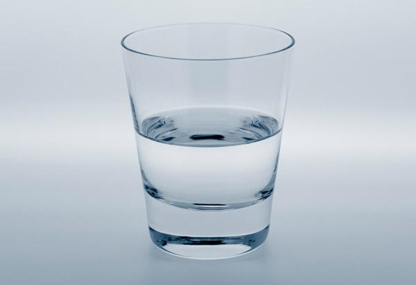 Чашата е наполовина...