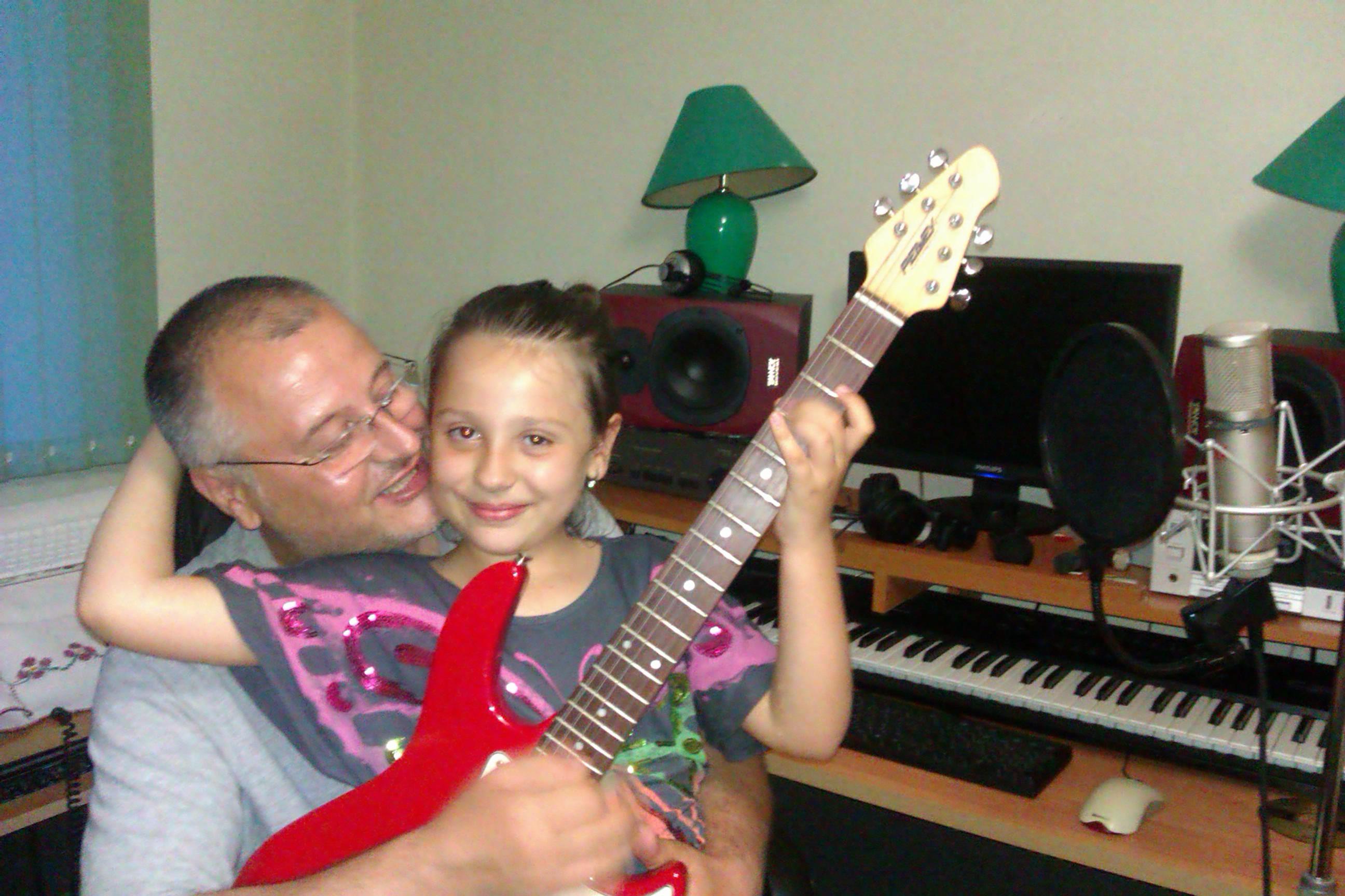 Татко Дарин и талантливата Дара